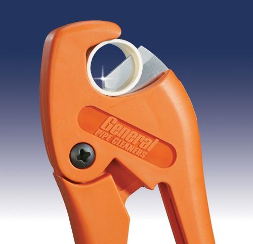 Пластмассовое устройство для резки труб